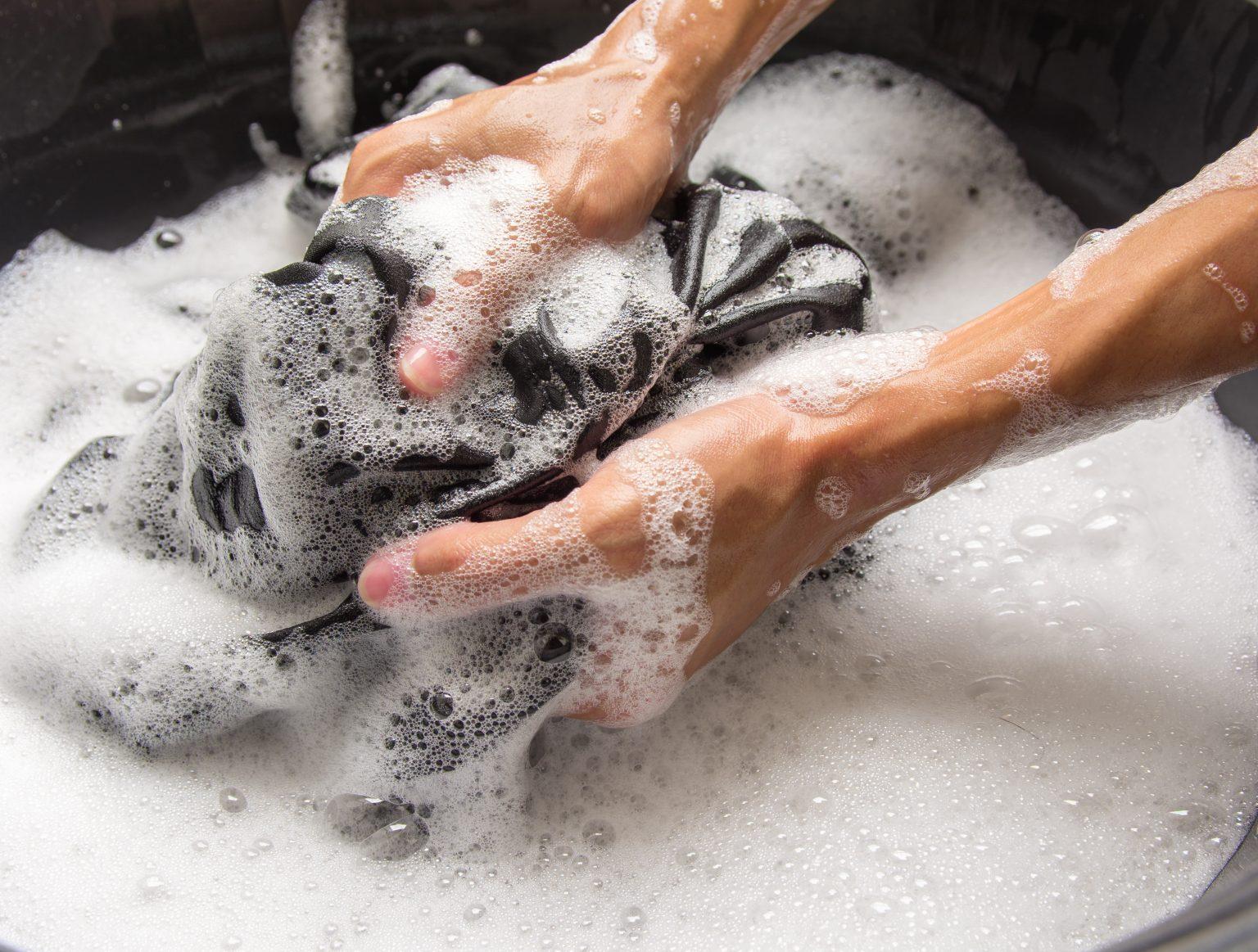 Hangi çamaşırlar elde yıkanmalıdır? Çamaşırlar elde nasıl daha iyi yıkanır?